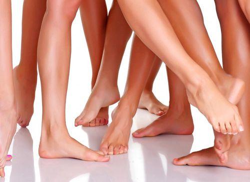 Пятна на коленных суставах