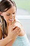 Высыпания на грудине у женщин фото